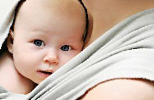Носим ребенка на руках