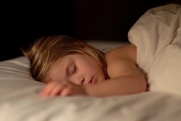 Как приучить ребенка спать всю ночь