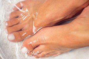 Как удалить огрубевшую кожу с пяток
