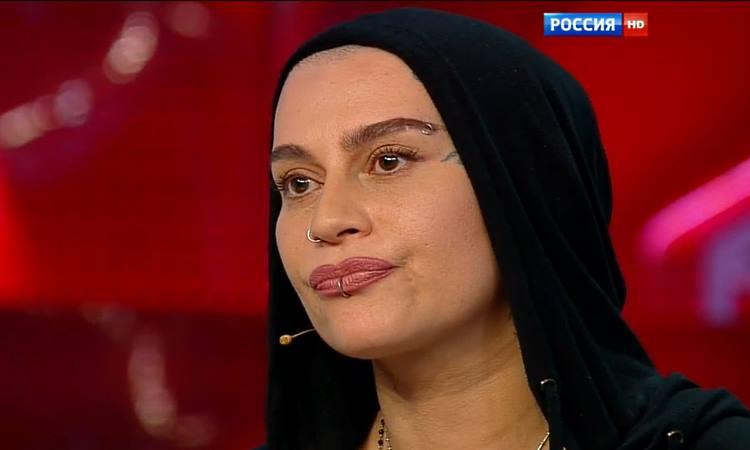 Наргиз Закирова подала на развод