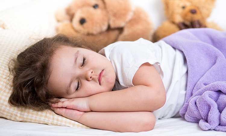 Причины потливости у детей