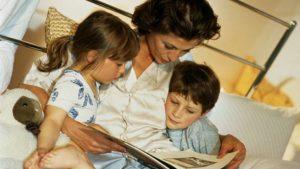 Помогает ребенку быстро заснуть