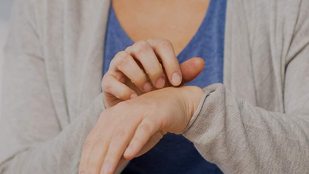 Чесотка: первые признаки, симптомы